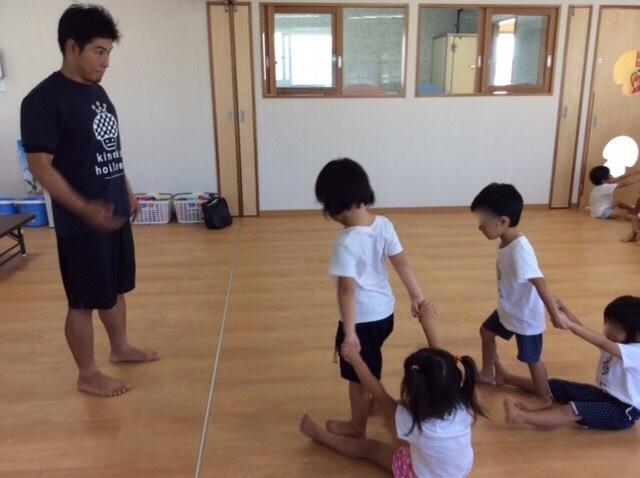 子供健康☆そり遊びで腹筋強化!!